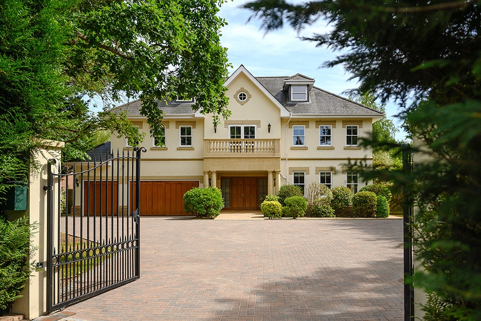 5 bedroom detached home
