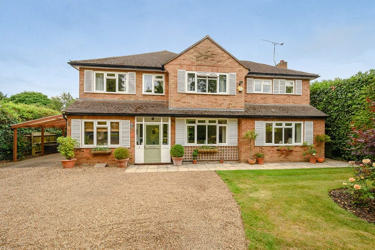 5 bedroom detached house for sale – Thames Ditton