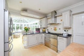 4 bedroom detached house for sale – Walton-on-Thames