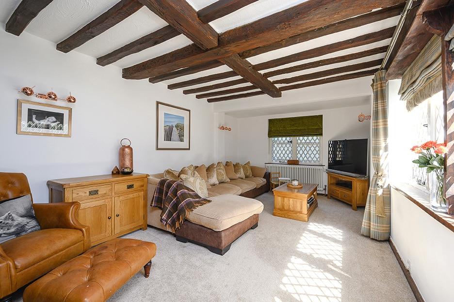 3 Bedrooms, Leatherhead Road, Oxshott