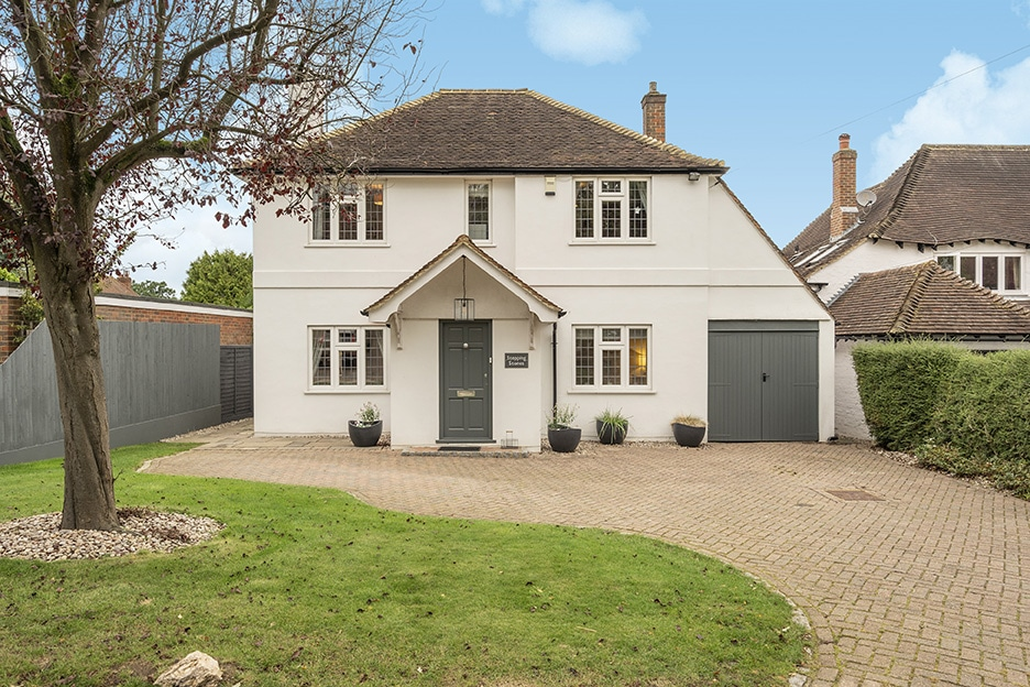 5 bedroom detached house