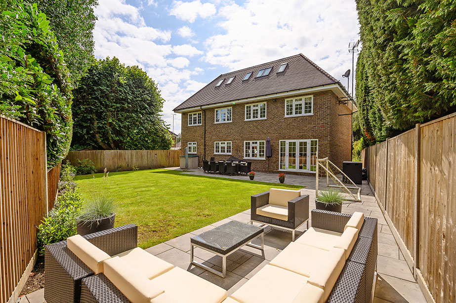5 bedrooms, Brooklands Road, Weybridge